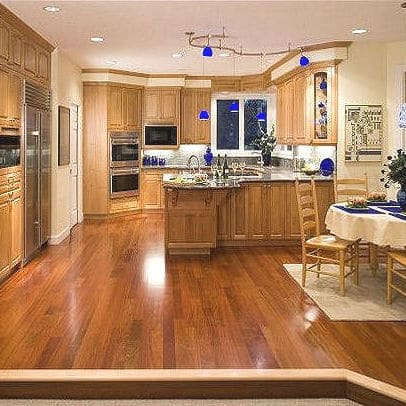 FAMILY KITCHEN FOR MULTIPLE COOKS